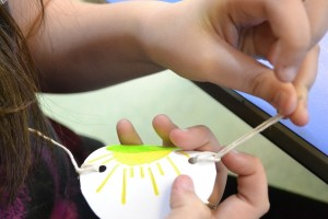 Making at thaumatrope at Children's Art School holiday art course with artist, Karen Logan